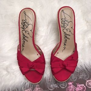 Libby Edelman red ribbon wedges